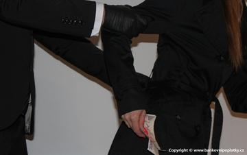 Podvodníci chtěli v krizi připravit stát o více než milion korun