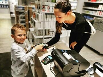 Elektronické bankovnictví pro děti. Ano, nebo ne? Poplatkovi mají jasno
