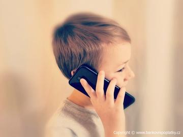 dTest: Víte, jaký je rozdíl mezi roamingem a mezinárodním voláním?